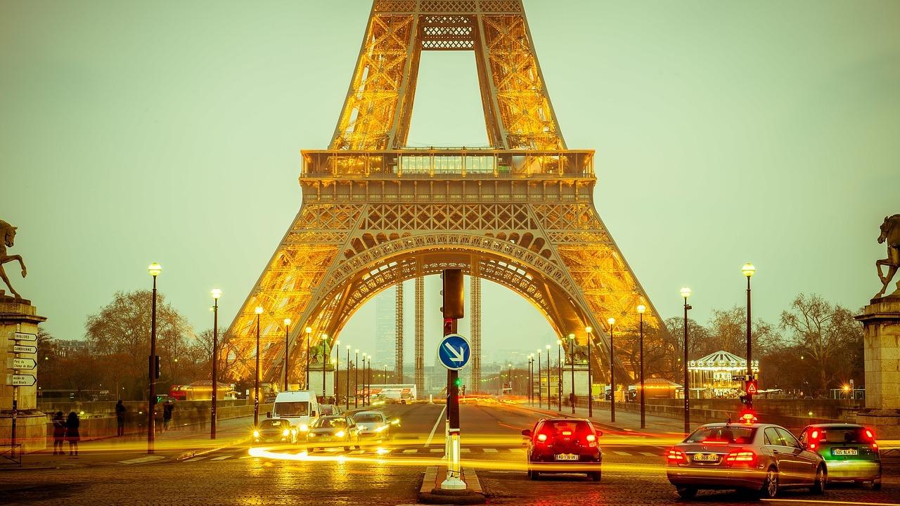 Comment visiter Paris en moto?
