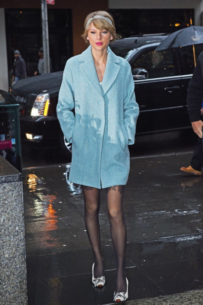 taylor-swift-style-going-to-a-broadway-play-in-new-york-city-december-2014