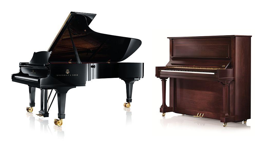 piano à queue et piano droit