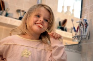 Comment prévenir l'apparition des caries dentaires chez les enfants ?